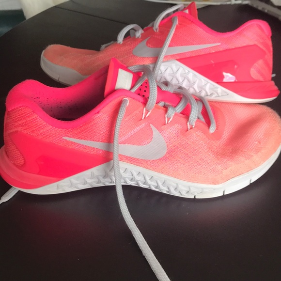 Nike Lèvres Orange Sans Ombre
